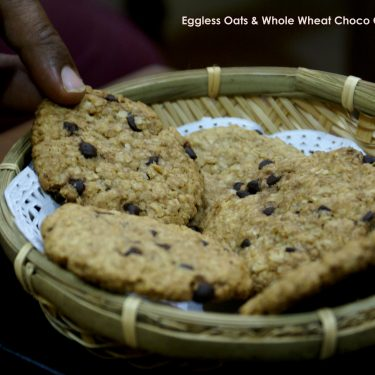 Eggless Oats and Whole Wheat Flour Choco Chip Cookies