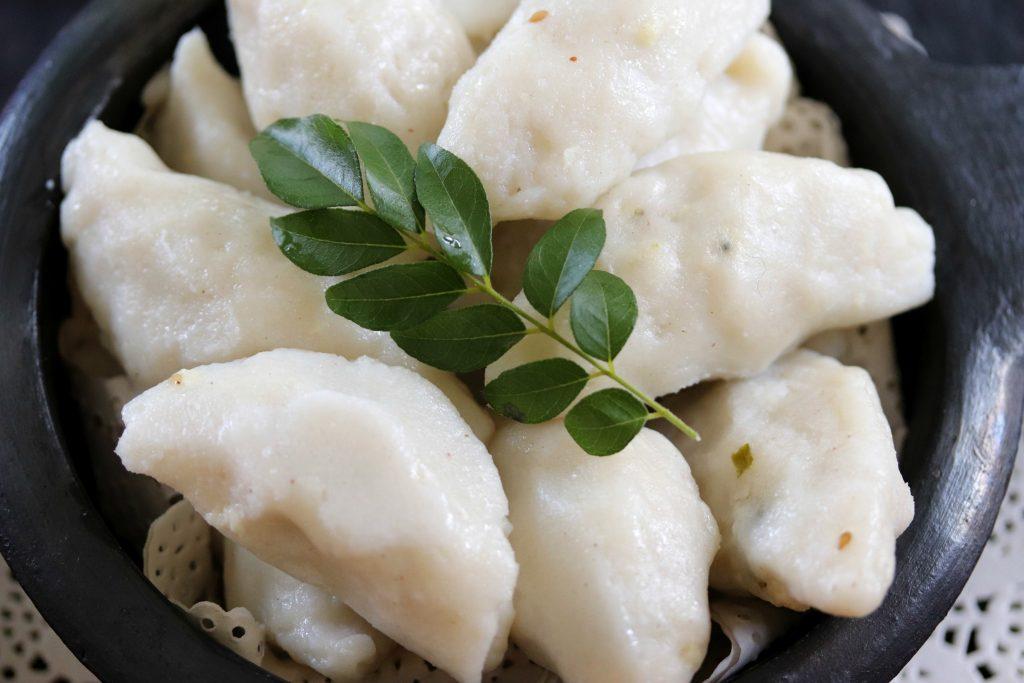 Uppu Kozhukattai or Ulundu Kozhukattai Recipe