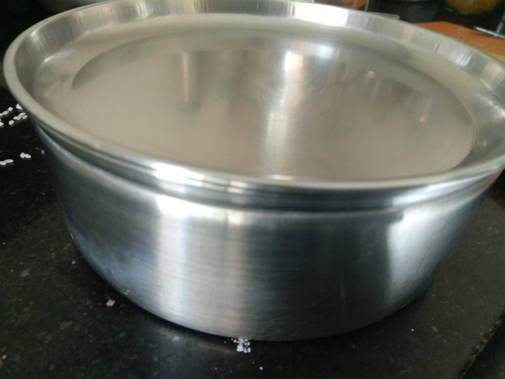 Vessel kept for pressure cooking the rice and vegetables