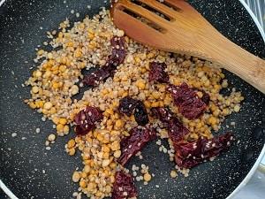 Lentils mix for the broccoli thogayal
