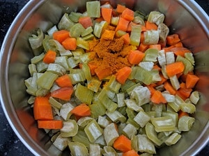 Cooked vegetables with turmeric powder
