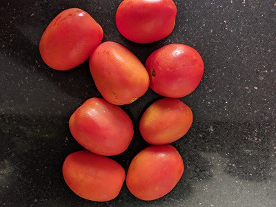 Ripe Tomatoes for making pizza sauce at home