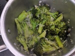 Cooking the broccoli florets
