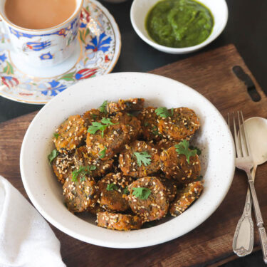 Methi Muthiya | Steamed Methi Muthia Recipe