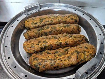 Steamed methi muthiyas to be cooled and sliced
