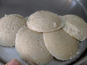 Oats idli ready to be served